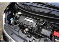 新開発の1.5L i-VTECは、1.3L版と同じく1気筒2バルブ・2プラグのi-DSI、全気筒休止、アイドリングストップなどを採用する。