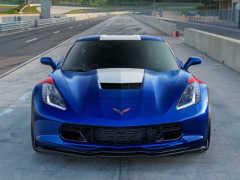 GM、「シボレー・コルベット」に「アドミラルブルー」の特別限定車を追加