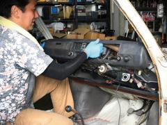 走れR-2 「ダッシュボードを取り外す」の巻