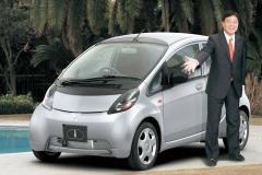 105万円(S RR)〜138万6000円(LX 4WD) 三菱 アイNAの価格は安いか?