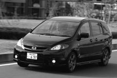 最新車のなかでは一番値引きが期待できま〜す!!マツダ プレマシー
