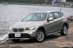 BMWらしいコンパクトサイズのSUVスタイルも走りも魅力的なX1……