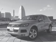 VW初のハイブリッド「トゥアレグ」は380psのパワフルさで13.8km/L
