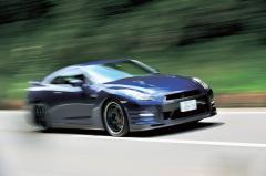 PART1 日本のスポーツカーは『名門』を超えたか? 日産GT-R vs ポルシェ ボクスターS