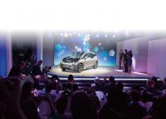 ニューヨーク、ロンドン、北京、同時発表コンセプトカーそのままで誕生BMW i3