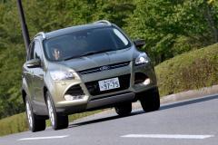 フォード クーガは走りも使い勝手もいい実力車!