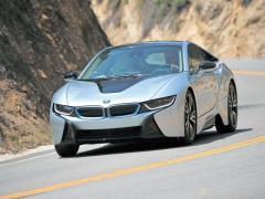 進化から革新へ BMW i8のシステム出力は362ps!! 燃費はEUモードで47.6km/L!!