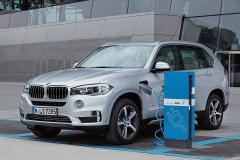 BMW初の量産PHV X5PHVデビュー!