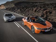 BMW、PHVのスポーティモデル「i8」をマイナーチェンジ