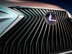 レクサス、北京モーターショーで新型「ES」を発表