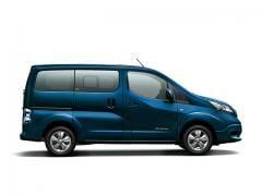 日産、商用EVモデル「e-NV200」の一部仕様を変更して発売