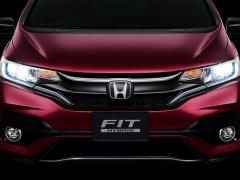 ホンダ、「フィット」の特別仕様車「コンフォートエディション」を発売