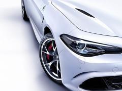 アルファロメオ、「ジュリア」に、限定車「クアドリフォリオ・アルジェント」を設定