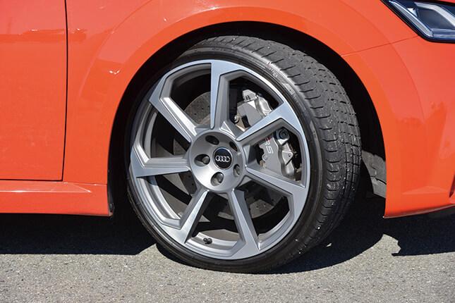 アウディ TT RS クーペ(タイヤ・ホイール)