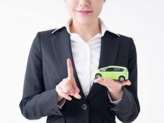 中古車購入の流れとローンや車庫証明について