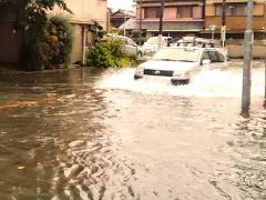 地震や台風、豪雨など自然災害時の自動車利用の注意点