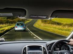 自動車の窓ガラスのUVカット、効果やおすすめをご紹介