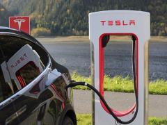 電気自動車(EV)のメリットとデメリットとは。気になる問題点、コスパは?