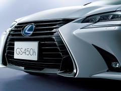 レクサスは、累計販売台数50万台突破を記念して特別仕様車を発売