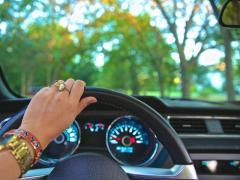 コンパクトカーを検証!低燃費でおすすめの車種ランキング