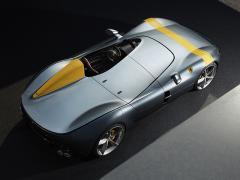 フェラーリ、新型モデル「モンツァSP1」「モンツァSP2」を発表