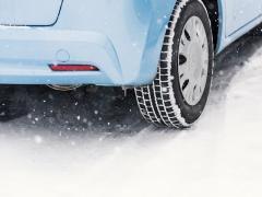 【2018年】おすすめスタッドレスタイヤは?氷上性能や燃費の比較方法・正しい選び方も
