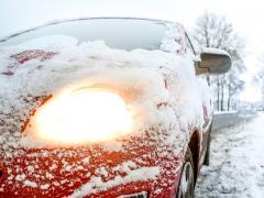 冬に車のエンジンがかからない原因は?対策と対処方法を解説