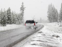 冬の車中泊で注意すべき点や防寒対策におすすめの暖房グッズを紹介