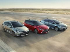 トヨタ、中国・広州国際モーターショーで、新型カローラシリーズのセダンを公開