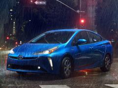 トヨタ、米国で5ドアハッチバックモデル「プリウス」の2019年モデルを発表