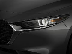マツダ、新型「Mazda3」の市販予定車をロサンゼルスで発表