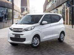 三菱自動車、ハイトワゴン軽自動車「eKワゴン」「eKクロス」を発売