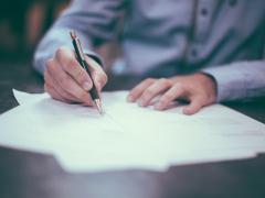 車の名義変更はどうやるの?委任状で代行する場合の手順や書き方を詳しく解説!
