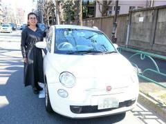 東京の道を楽々に運転できるコンパクトさと、オシャレさ。カーシェアを利用した賢いカーライフに