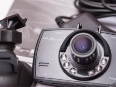 ドライブレコーダーに偏光フィルター(フィルム)を取付けるメリット
