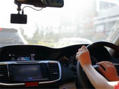 ドライブレコーダーに搭載されている安全運転支援機能とは
