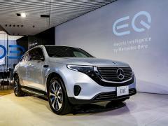 メルセデス・ベンツが初の電気自動車「EQC」を発表。価格は1080万円から