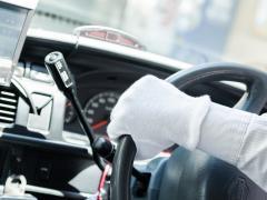 運転の際に手袋をする意味と運転に適した手袋の選び方