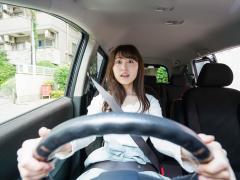 クルマの運転で緊張しすぎる原因と緊張しない方法