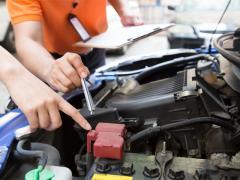 車のバッテリー交換の値段は?費用を安くする方法も解説