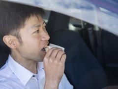 車内での飲食・食事の注意点と便利グッズ・掃除のポイントを紹介!