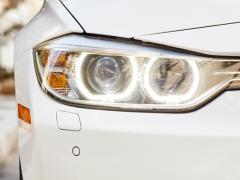 ヘッドライト交換の工賃・費用と自分で交換する方法