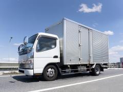 中型トラックを運転するにはどんな免許が必要?中型免許と準中型免許の違いは何?