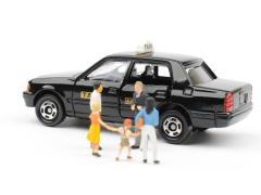 タクシーに乗る際にチャイルドシートは必要?一緒に乗るときの注意点