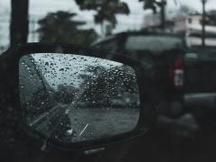 雨の日に運転をする際の注意点