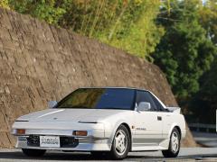 トヨタ名車列伝 昭和に生まれた日本初のミッドシップ2シータースポーツ