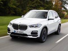 BMW、X5にPHV「X5 xDrive 45e」&高性能モデル「X5 M50i」を追加