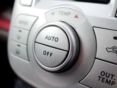暖房をつける冬にアイドリングストップを切った方が良い理由を解説!