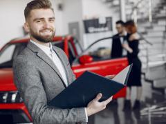 車のことでよく聞くディーラーとは?種類や仕事内容について解説
