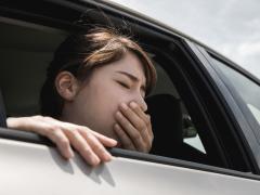 車酔いはげっぷで良くなる?乗車前や乗車中の対策をご紹介!